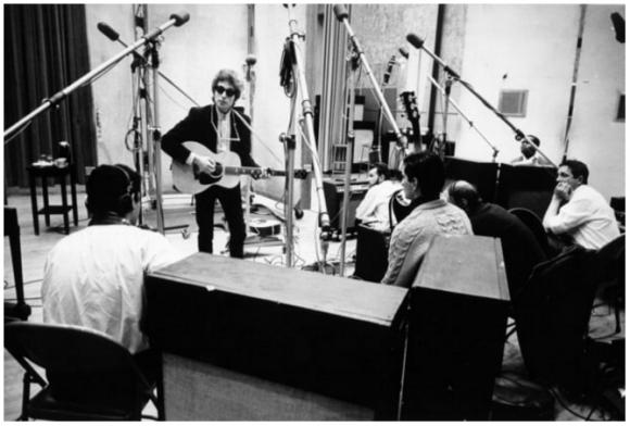 Bob Dylan en el estudio de grabación